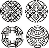 Symmetrical round knot patterns