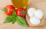 Mozzarella, olive oil, tomatoes and basil