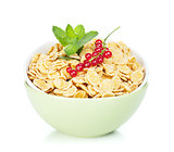 Fresh corn flakes with red currant