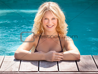 blond in the pool