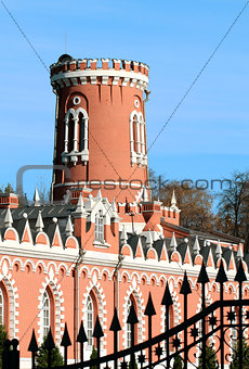 Tower traveling palace