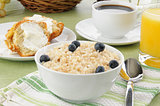 Brown rice with milk and a muffin