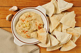 Garlic spice hummus with pita