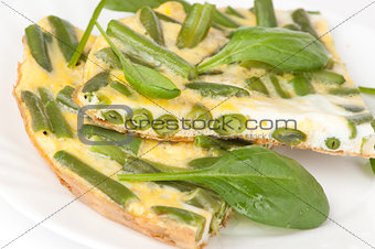 Omelet with green bean and spinach