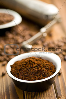 ground coffee in ceramic bowl