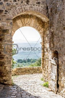 archway in San Quirico