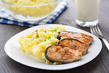Mashed potatoes with fried salmon