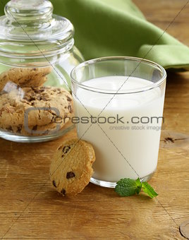 breakfast cookies with chocolate and milk