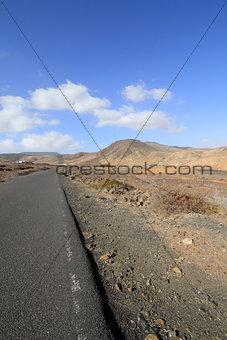 On the road (Fuerteventura - Spain)