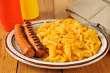 Grilled hot dogs with mac and cheese