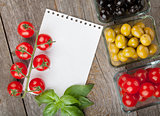 Blank notepad paper for recipes and fruits