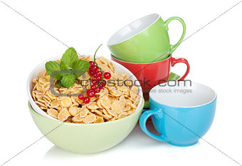Fresh corn flakes with currant