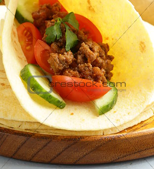 tortilla fajita wraps with beef