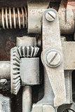 Machine partes mechanism