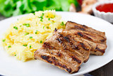 Grilled ribs with mashed potato