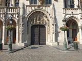 Brussels Hotel de Ville doorway