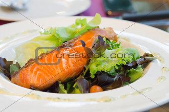 samon salad