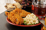Fried chicken with macaroni salad