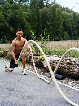 Fitness with training ropes