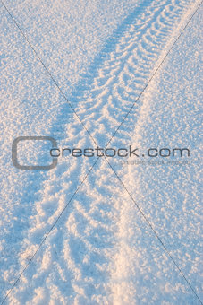 Tire tracks on the snow 01
