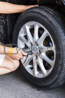 Car wheel changing