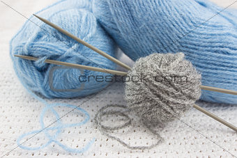 blue and gray yarns for knitting