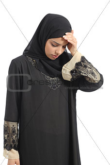 Arab saudi emirates woman with head ache