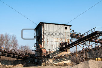 Gravel sorting facility