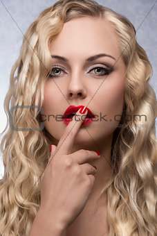 beauty girl with glamour make-up