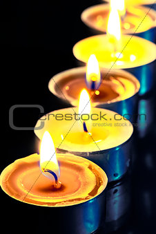 number of hot yellow candles in the dark