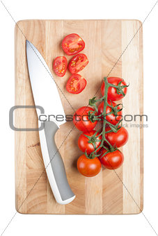 Tomato and knife