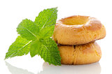 Baked cookies with mint
