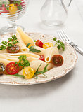 shell pasta with cherry tomatoes