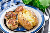 Jacket potato with meatballs