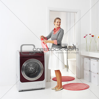 housewife keeps detergent