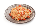 plate of spaghetti and tomato sauce
