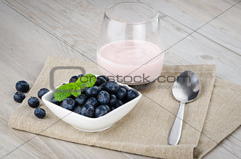Yogurt with fresh blueberries