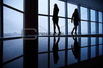 Outlines of businesswomen
