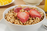 Oat cereal with strawberries