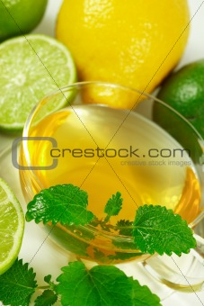 Green tea with fresh mint