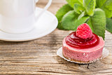 raspberry tart with coffee