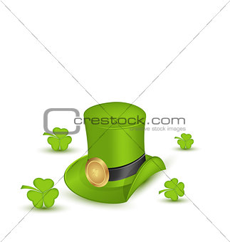 Green hat with buckle with clovers in saint Patrick Day - isolat