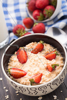 Oatmeal breakfast with strawberries