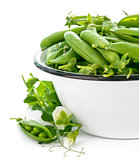 Fresh green peas with leaf and flower