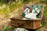Wicker picnic suitcase