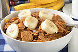 Bran cereal with sliced bananas