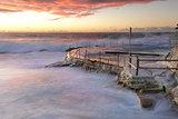Large swell att Bronte Beach