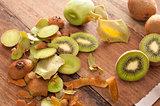 Preparing a tropical kiwifruit dessert