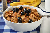 Bran flakes with blueberries