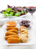 Delicious cheese sticks with chutney